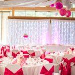 décoration salle mariage fushia - les Bulles d'Emilie