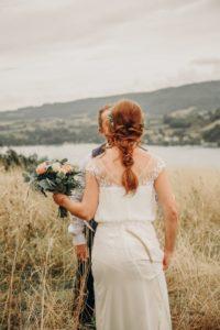 futurs mariés au bord du lac du Bourget - Wedding Planner Savoie