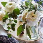 bouquets de renoncules blanches